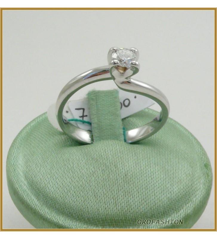 Anello oro bianco 18kt con diamante solitario - 22101514