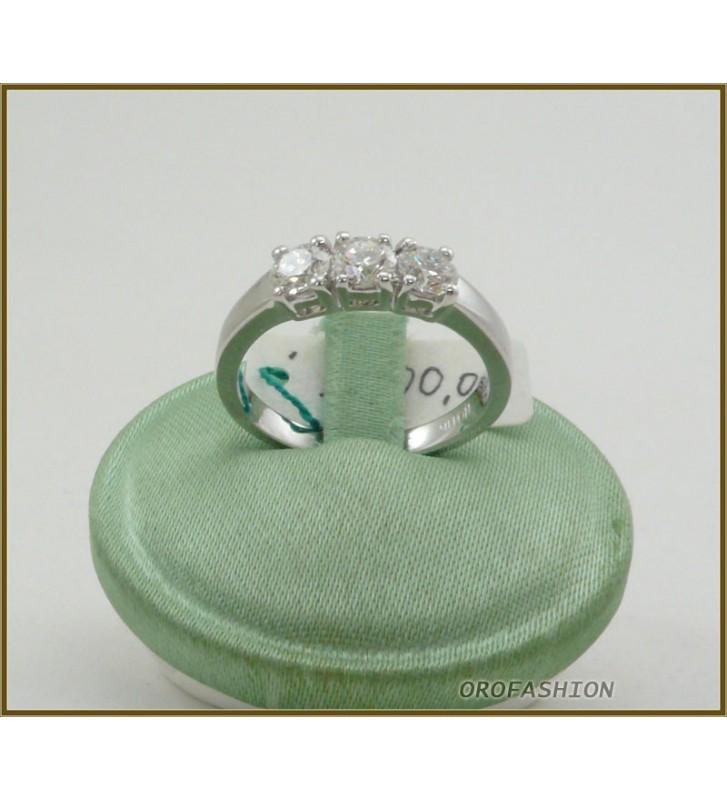 Anello in oro 18kt  trilogy di diamanti ct. 0.75 - 29111514