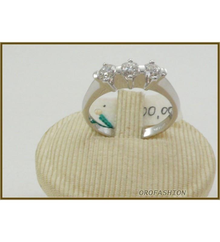 Anello in oro 18kt  trilogy di diamanti ct. 0.66 - 29111515