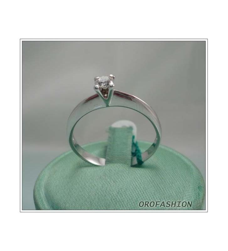 Anello in oro bianco diamante solitario Valore 570 o