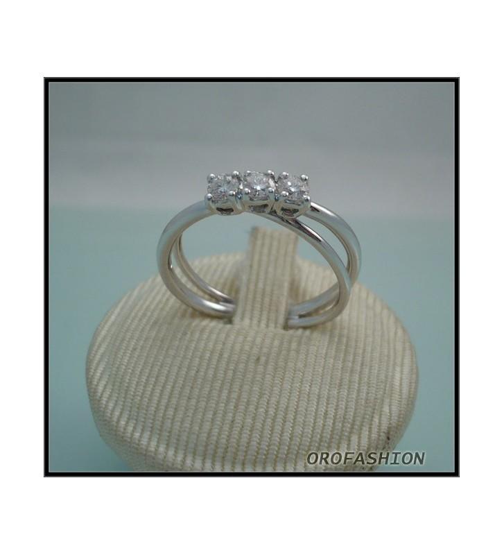 Anello in oro trilogy di diamanti Valore 940 4041120