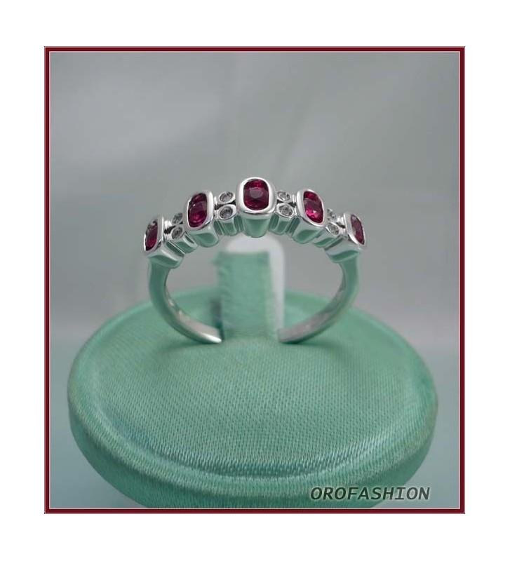 Anello oro bianco con rubini e diamanti - Valore 550