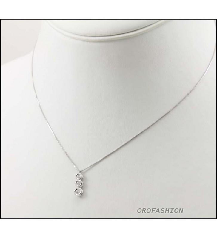 Girocollo oro bianco 18Kt con trilogy di diamanti ct 0.12 Valore 380 - 3009148